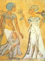 Аменофис IV с женой в саду